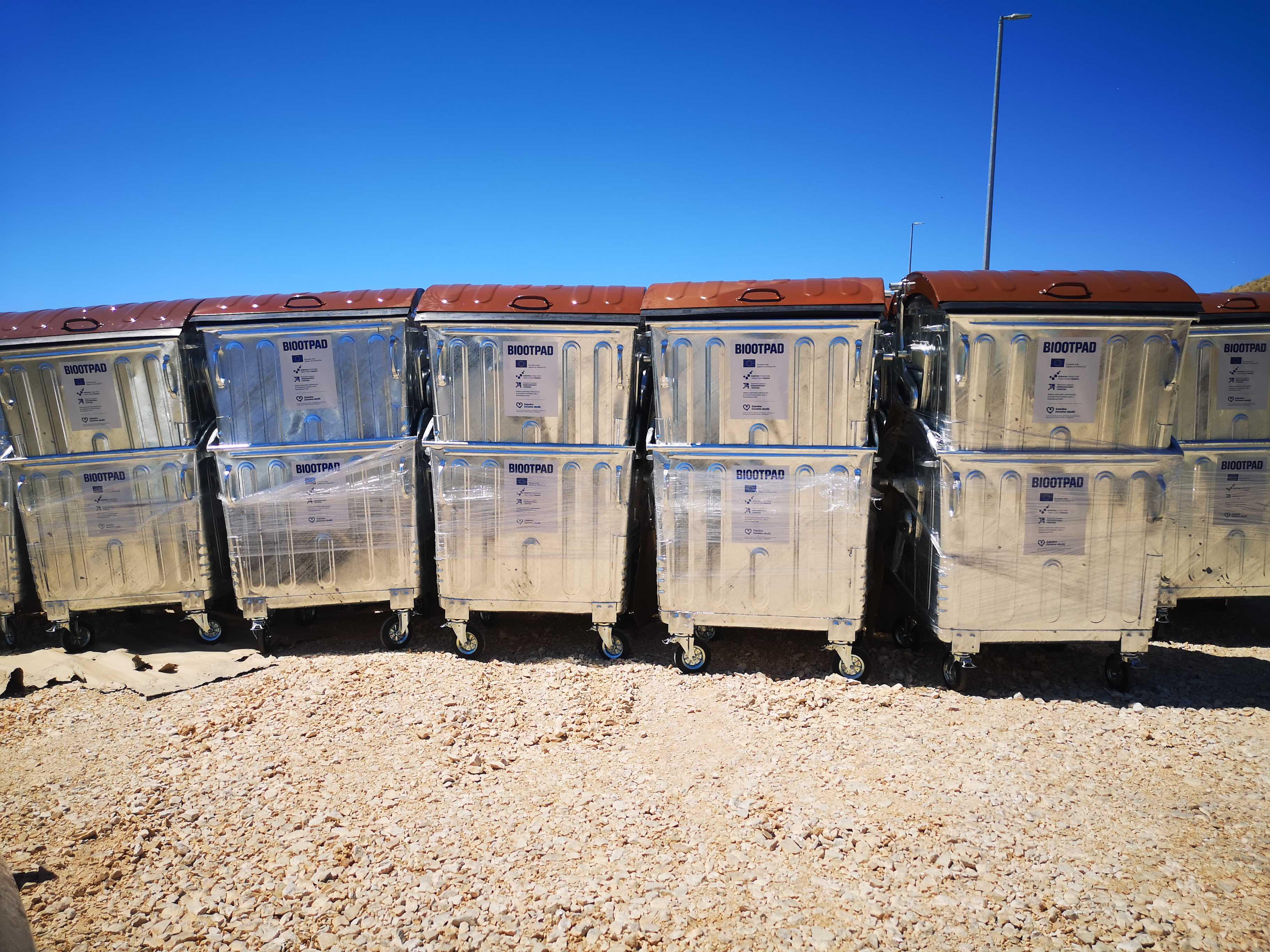 Izvršena isporuka spremnika za odvojeno prikupljanje otpada – Grupa 3