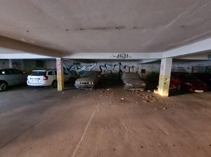 Iz garaže ispod Fine izvučena stara vozila, uništenje na Dračevcu čeka njih 200